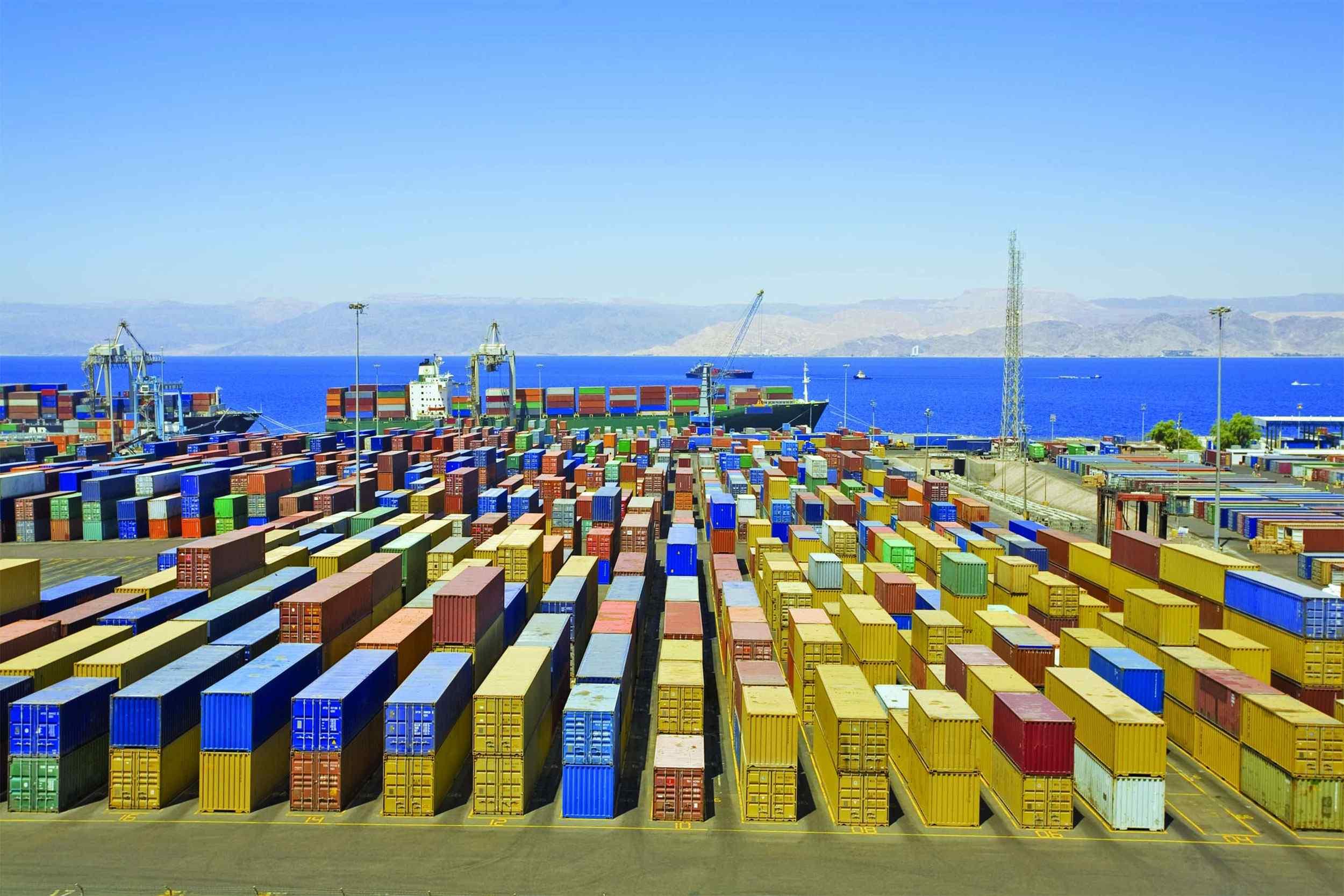 https://cobe-transport-logistics.com/wp-content/uploads/2015/09/Harbor-warehouse.jpg