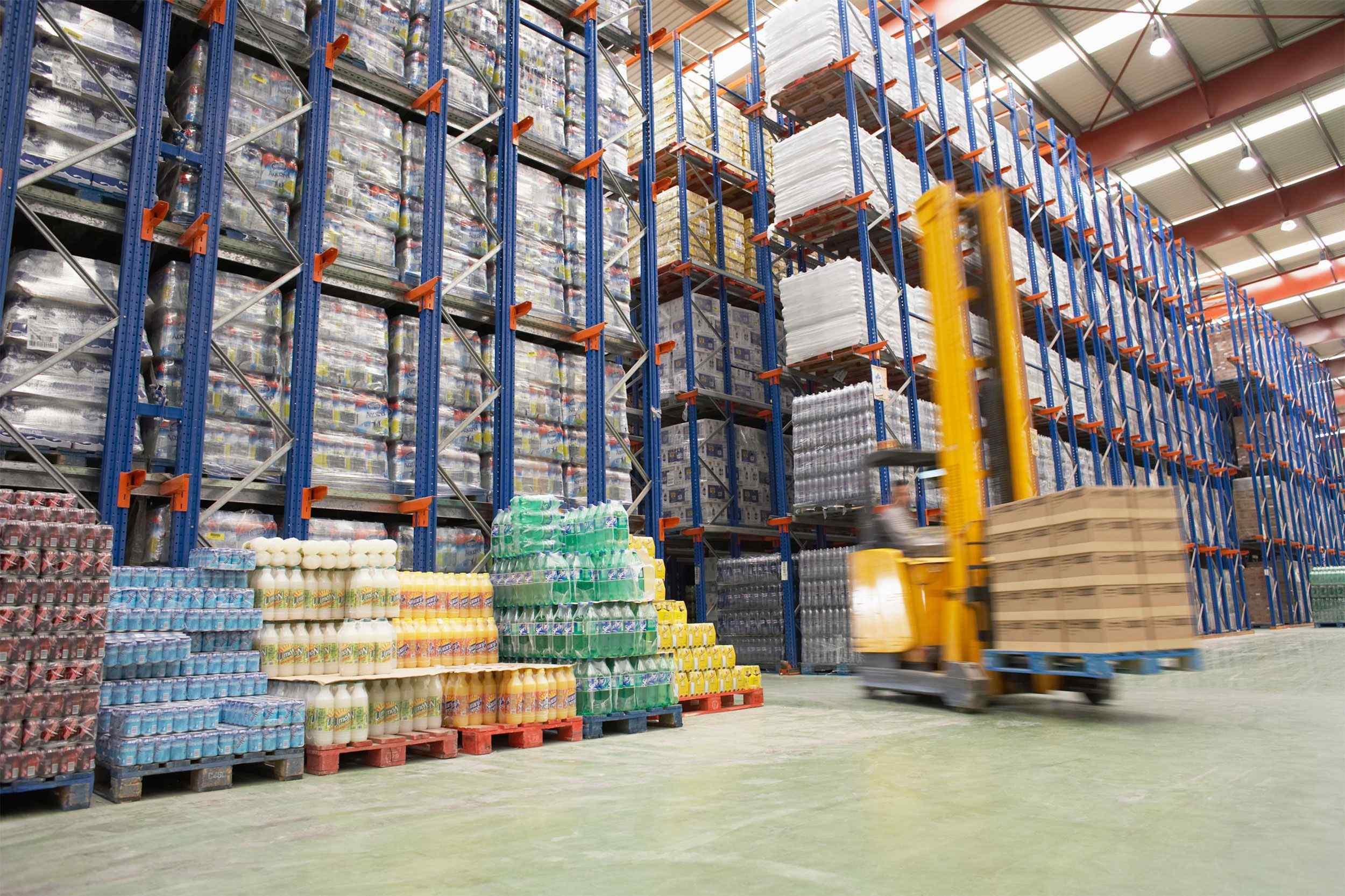 https://cobe-transport-logistics.com/wp-content/uploads/2015/09/Warehouse-and-lifter.jpg