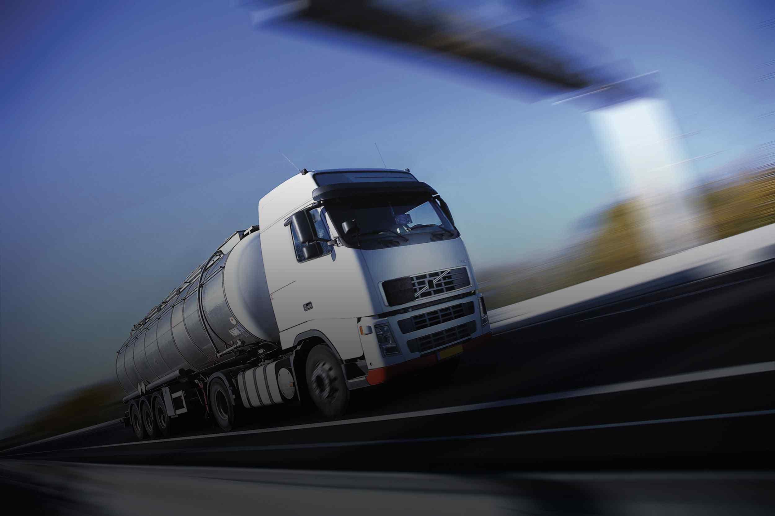 https://cobe-transport-logistics.com/wp-content/uploads/2015/09/White-Truck-single.jpg